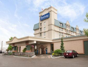 Travelodge by Wyndham Calgary International Airport South, AB T1Y 3C2 near Calgary International Airport View Point 1