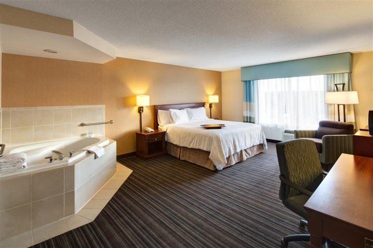 Hampton Inn & Suites Toronto Airport Ontario, ON LYV1A3 near Toronto Pearson International Airport View Point 5