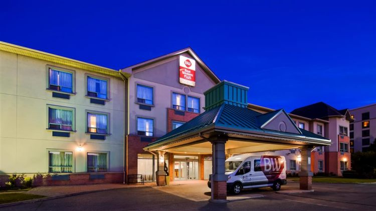 Best Western Plus Travel Hotel Toronto Airport, ON M9C5K5 near Toronto Pearson International Airport View Point 20