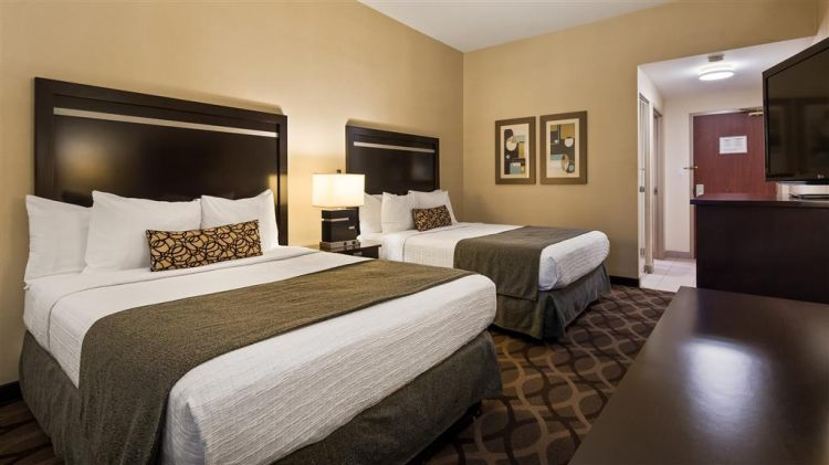Best Western Plus Travel Hotel Toronto Airport, ON M9C5K5 near Toronto Pearson International Airport View Point 16