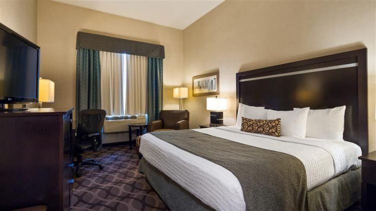 Best Western Plus Travel Hotel Toronto Airport, ON M9C5K5 near Toronto Pearson International Airport View Point 15