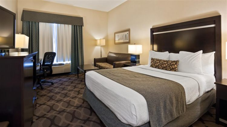 Best Western Plus Travel Hotel Toronto Airport, ON M9C5K5 near Toronto Pearson International Airport View Point 13
