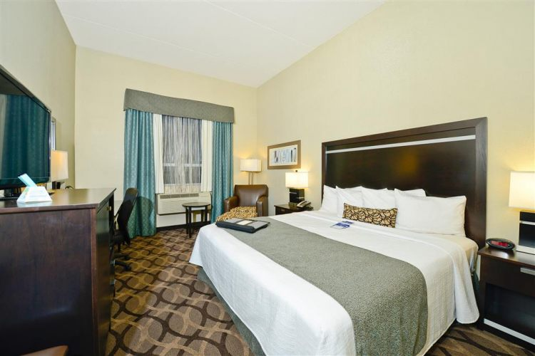 Best Western Plus Travel Hotel Toronto Airport, ON M9C5K5 near Toronto Pearson International Airport View Point 6