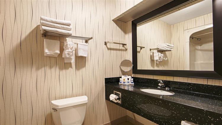 Best Western Plus Travel Hotel Toronto Airport, ON M9C5K5 near Toronto Pearson International Airport View Point 2
