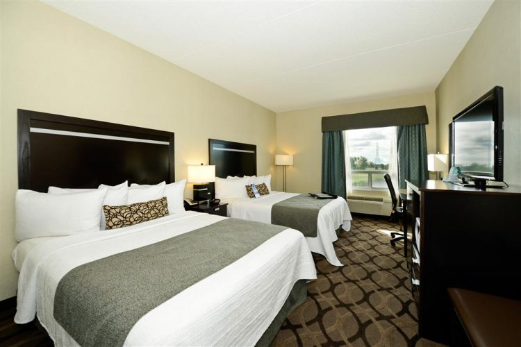 Best Western Plus Travel Hotel Toronto Airport, ON M9C5K5 near Toronto Pearson International Airport View Point 3