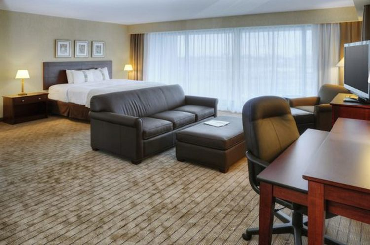 Holiday Inn Toronto-Airport East, ON M9W1J1 near Toronto Pearson International Airport View Point 4