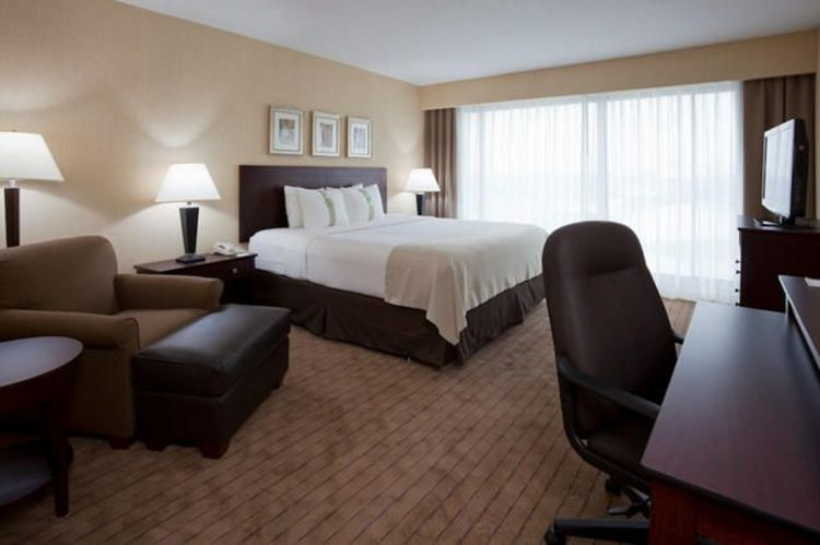 Holiday Inn Toronto-Airport East, ON M9W1J1 near Toronto Pearson International Airport View Point 2