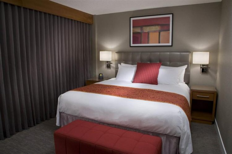 Hilton Toronto Airport Hotel & Suites, ON L4V 1N1 near Toronto Pearson International Airport View Point 17
