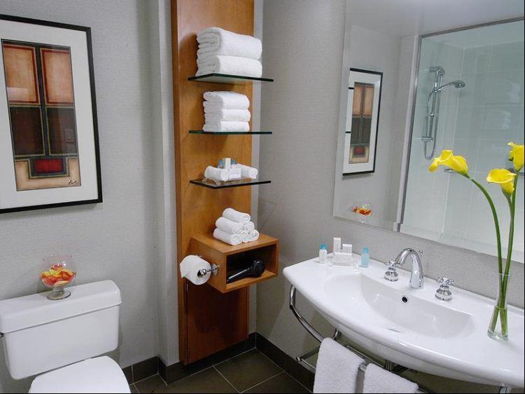 Hilton Toronto Airport Hotel & Suites, ON L4V 1N1 near Toronto Pearson International Airport View Point 14