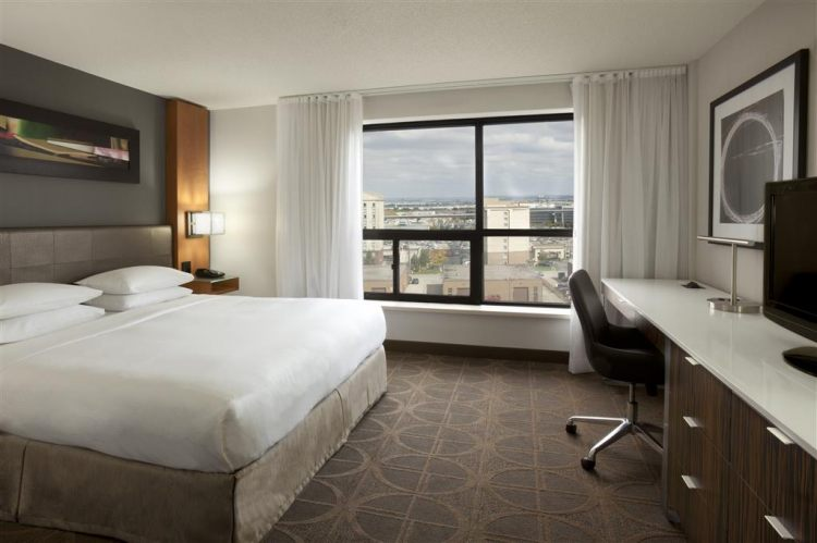 Hilton Toronto Airport Hotel & Suites, ON L4V 1N1 near Toronto Pearson International Airport View Point 9