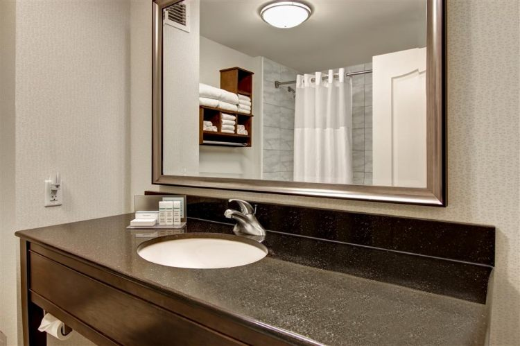 Hampton Inn Toronto Airport Corporate Centre Hotel, ON M9C 5K5 near Toronto Pearson International Airport View Point 24