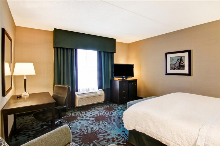 Hampton Inn Toronto Airport Corporate Centre Hotel, ON M9C 5K5 near Toronto Pearson International Airport View Point 20