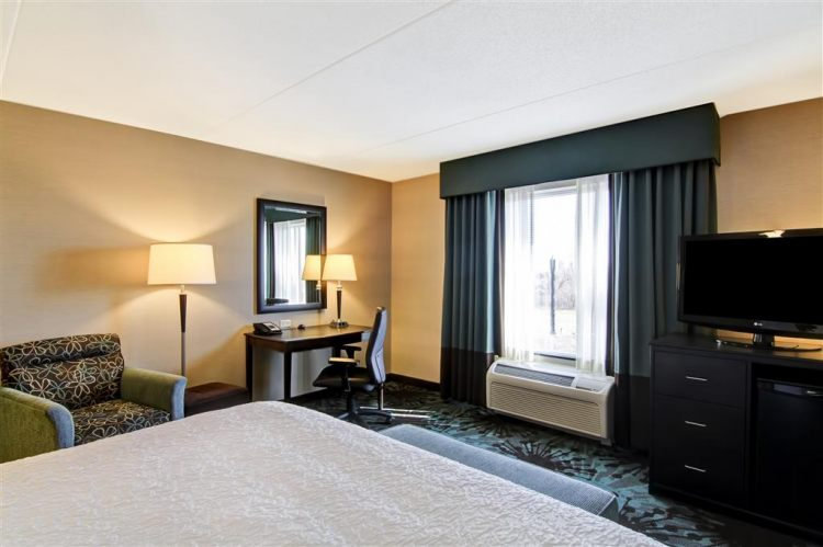 Hampton Inn Toronto Airport Corporate Centre Hotel, ON M9C 5K5 near Toronto Pearson International Airport View Point 9