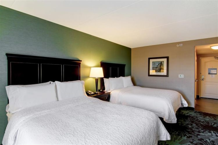 Hampton Inn Toronto Airport Corporate Centre Hotel, ON M9C 5K5 near Toronto Pearson International Airport View Point 7