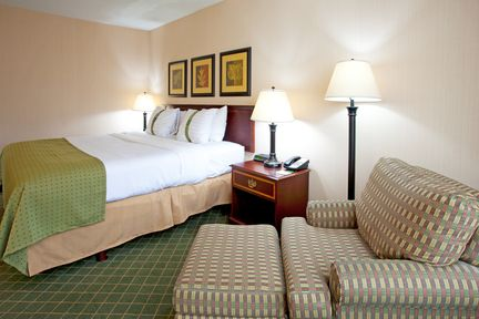 Holiday Inn Buffalo-Intl Airport, NY 14225 near Buffalo Niagara International Airport View Point 2
