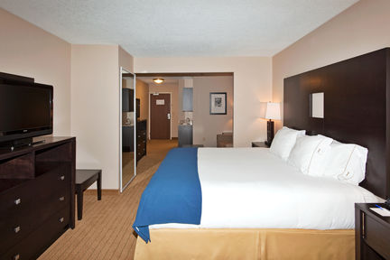 Holiday Inn Express & Suites Albuquerque Airport, NM 87106 near Albuquerque International Sunport View Point 3