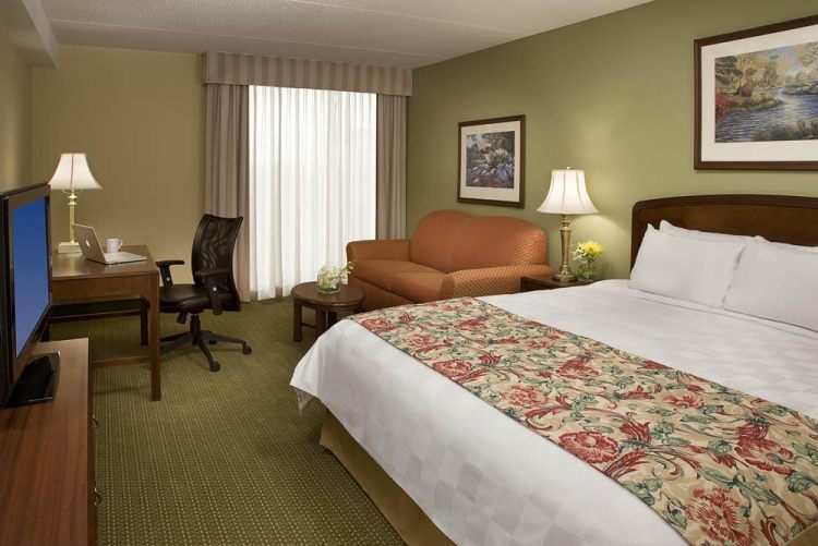 Hotel Carlingview Toronto Airport, ON M9W 5E8 near Toronto Pearson International Airport View Point 3