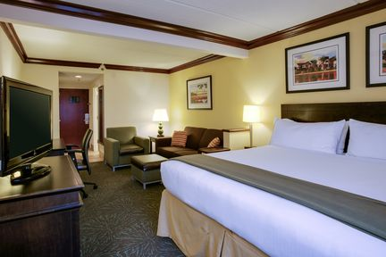 Holiday Inn Express & Suites Charleston-Ashley Phosphate, SC 29406 near Charleston International Airport / Charleston Afb View Point 9