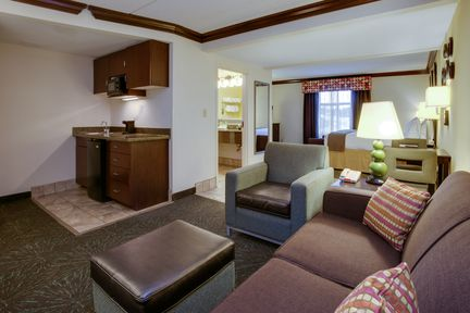 Holiday Inn Express & Suites Charleston-Ashley Phosphate, SC 29406 near Charleston International Airport / Charleston Afb View Point 8