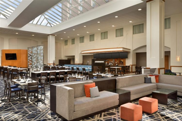 EMBASSY SUITES BY HILTON BOS LOGAN ARPRT, MA 02128 near Boston Logan International Airport View Point 24