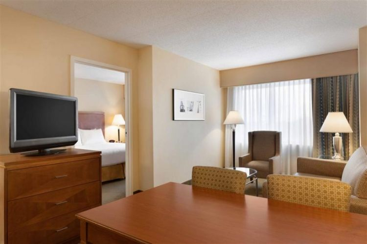 EMBASSY SUITES BY HILTON BOS LOGAN ARPRT, MA 02128 near Boston Logan International Airport View Point 13