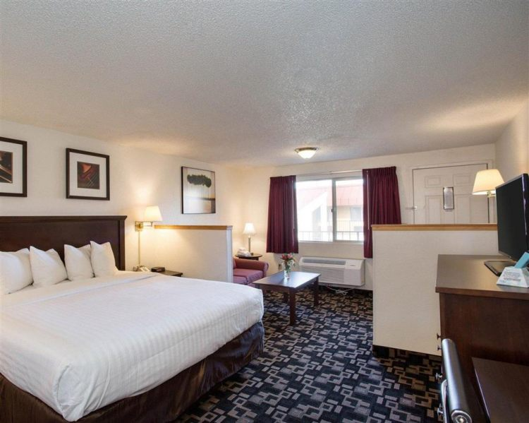 Econo Lodge Inn & Suites Hotel in Bellingham, WA 98225 near Bellingham International Airport View Point 5