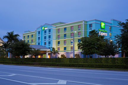 Holiday Inn Express & Suites Ft. Lauderdale Airport/Cruise, FL 33315 near Fort Lauderdale-hollywood International Airport View Point 22