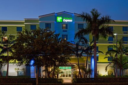 Holiday Inn Express & Suites Ft. Lauderdale Airport/Cruise, FL 33315 near Fort Lauderdale-hollywood International Airport View Point 19