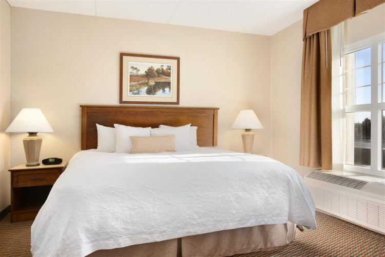 Hampton Inn & Suites Providence/Warwick-Airport, RI 02886 near Theodore Francis Green State Airport View Point 3