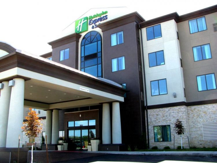 Holiday Inn Express and Suites Kansas City Airport, MO 64153 near Kansas City International Airport View Point 16