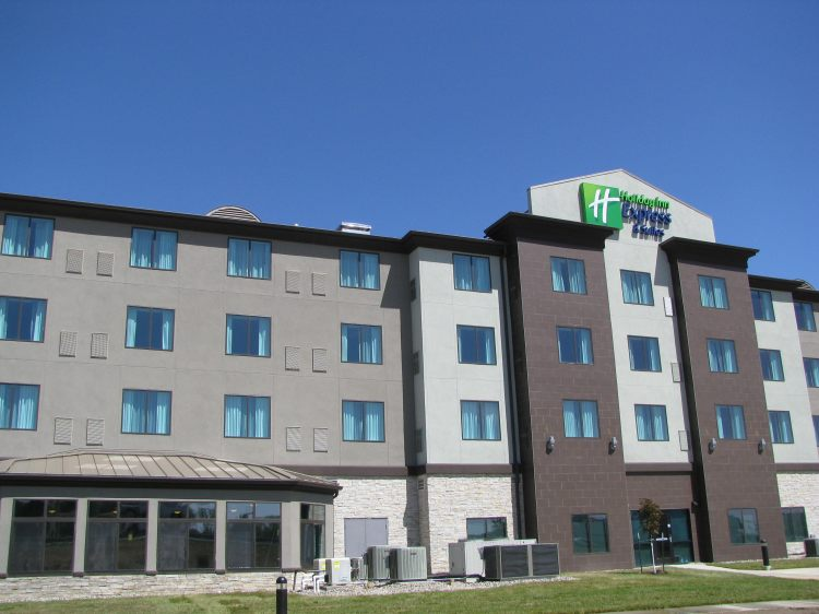 Holiday Inn Express and Suites Kansas City Airport, MO 64153 near Kansas City International Airport View Point 15