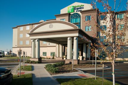 Holiday Inn Express and Suites Kansas City Airport, MO 64153 near Kansas City International Airport View Point 13