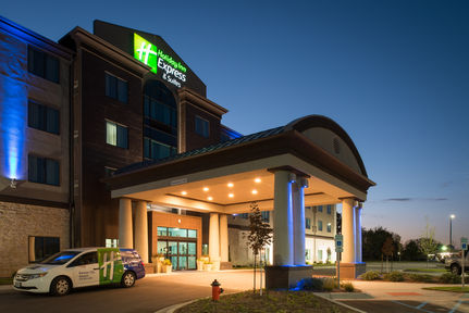 Holiday Inn Express and Suites Kansas City Airport, MO 64153 near Kansas City International Airport View Point 14
