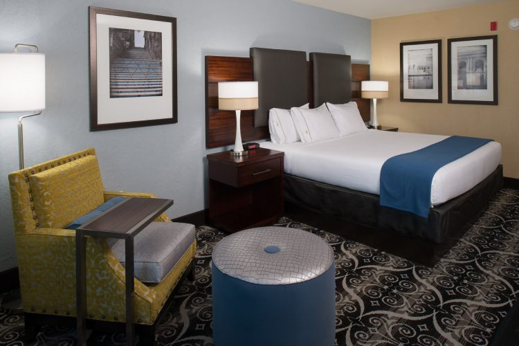 Holiday Inn Express and Suites Kansas City Airport, MO 64153 near Kansas City International Airport View Point 4