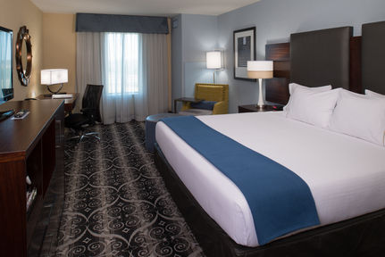 Holiday Inn Express and Suites Kansas City Airport, MO 64153 near Kansas City International Airport View Point 3