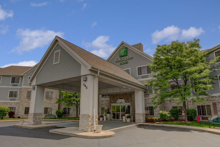 Holiday Inn Hotel & Suites Milwaukee Airport Hotel, WI 53207 near General Mitchell International Airport View Point 1