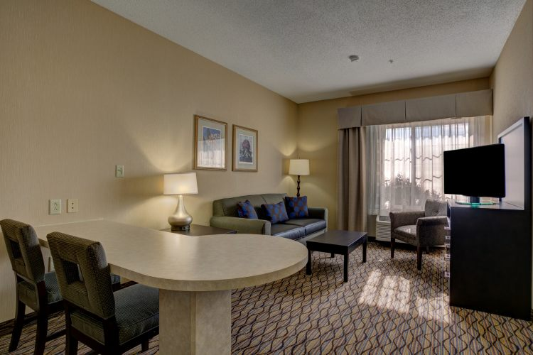 Holiday Inn Hotel & Suites Milwaukee Airport Hotel, WI 53207 near General Mitchell International Airport View Point 4