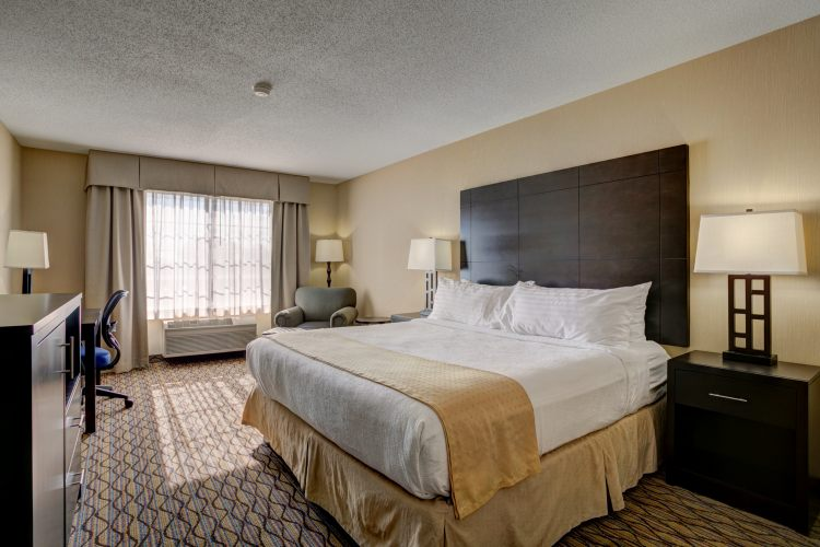 Holiday Inn Hotel & Suites Milwaukee Airport Hotel, WI 53207 near General Mitchell International Airport View Point 2