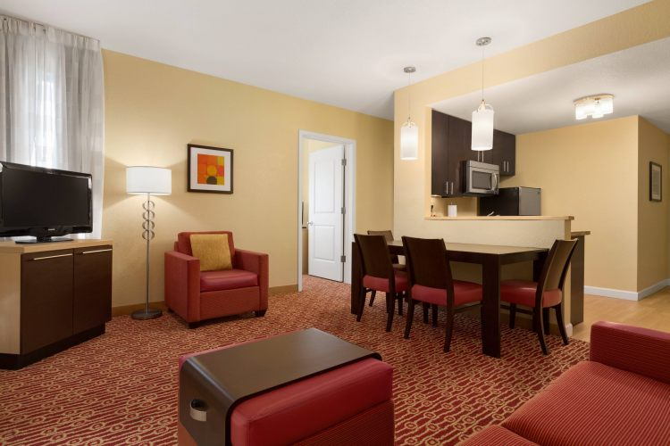 TownePlace Suites Denver Airport at Gateway Park, CO 80239 near Denver International Airport (succeeded Stapleton Airport) View Point 3