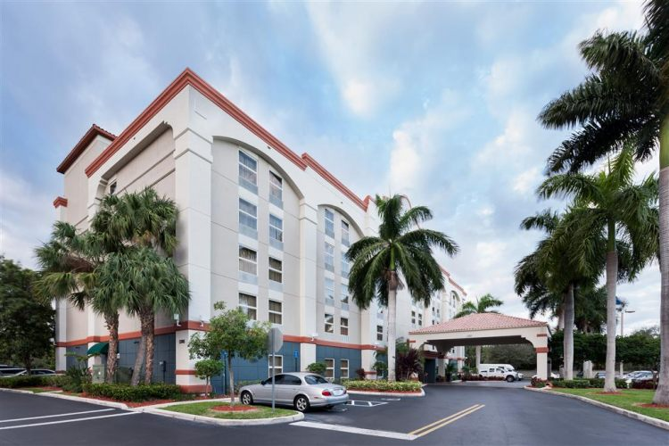 Hampton Inn Ft. Lauderdale Airport North Cruise Port, FL 33315 near Fort Lauderdale-hollywood International Airport View Point 17
