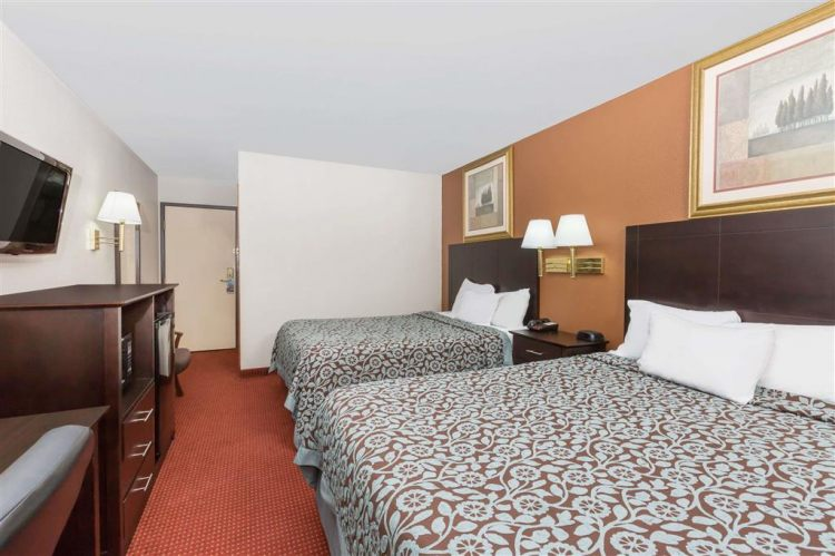 Days Inn & Suites by Wyndham Des Moines Airport, IA 50315 near Des Moines International Airport View Point 7