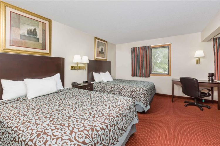 Days Inn & Suites by Wyndham Des Moines Airport, IA 50315 near Des Moines International Airport View Point 3