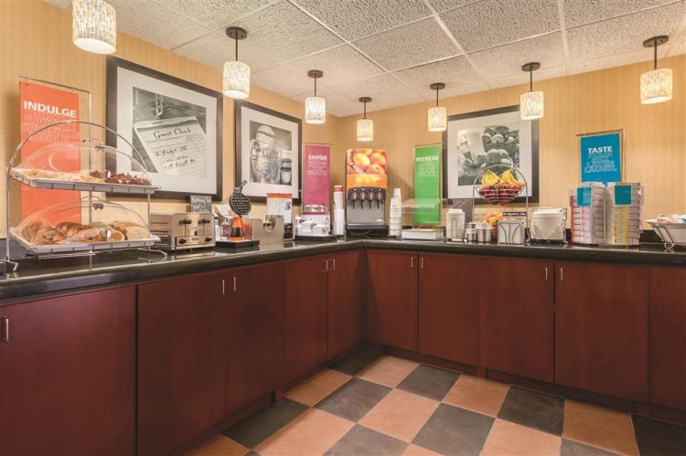 Hampton Inn Des Moines-Airport, IA 50321 near Des Moines International Airport View Point 15