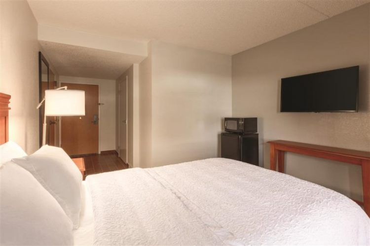 Hampton Inn Des Moines-Airport, IA 50321 near Des Moines International Airport View Point 11