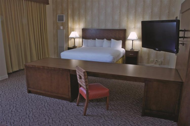 DoubleTree by Hilton Hotel Norfolk Airport, VA 23502 near Norfolk International Airport View Point 5