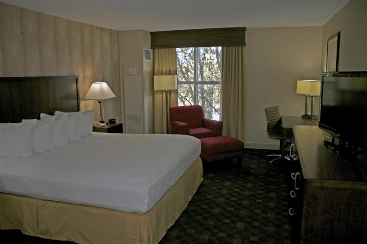 DoubleTree by Hilton Hotel Norfolk Airport, VA 23502 near Norfolk International Airport View Point 6
