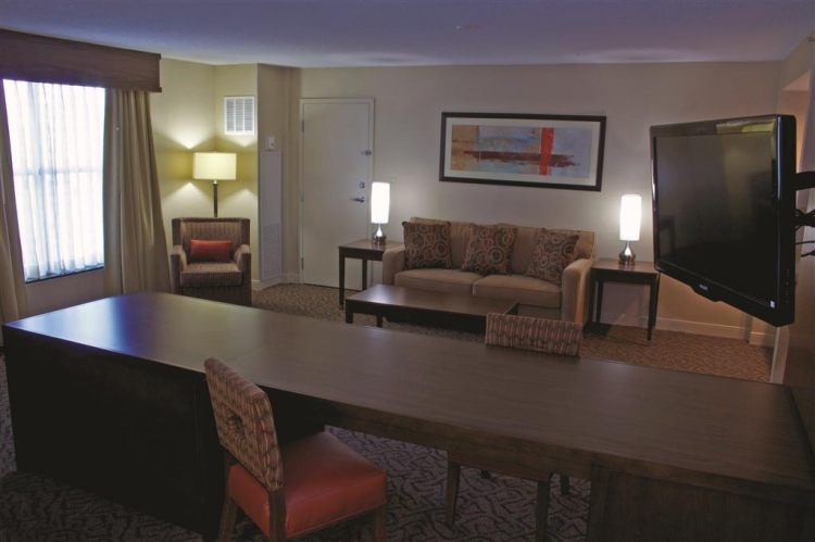 DoubleTree by Hilton Hotel Norfolk Airport, VA 23502 near Norfolk International Airport View Point 3