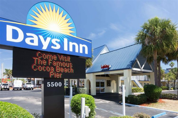 Days Inn by Wyndham Cocoa Beach Port Canaveral, FL 32931