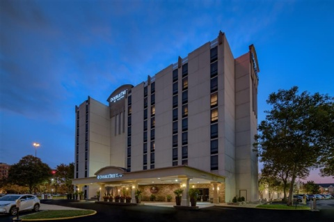 DoubleTree Philadelphia Airport , PA 19153 near Philadelphia International Airport View Point 32