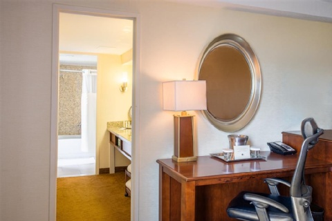DoubleTree Philadelphia Airport , PA 19153 near Philadelphia International Airport View Point 2